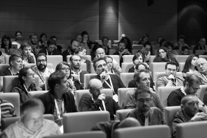 Public de Paris Web pendant ma conférence
